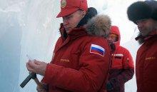 Путин и Медведев при -27°C проинспектировали уборку Арктики