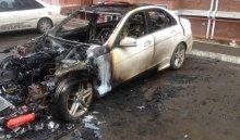ВИркутске вмикрорайоне Первомайском сгорел автомобиль Mercedes (Видео)