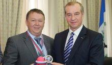 Сергей Левченко вручил серебряные медали игрокам ХК «Байкал-Энергия»