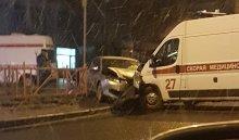 В Иркутске на улице Академической произошла авария с участием автомобиля скорой помощи