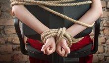 Иркутянин ограбил соседку, которая отказалась занять ему денег