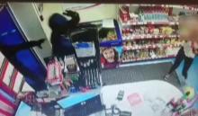 В Иркутске неизвестные ограбили автозаправочную станцию и похитили выручку (Видео)