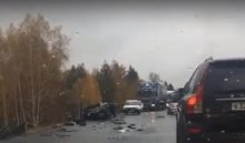 ВЗаларинском районе врезультате столкновения савтобусом «Братск-Иркутск» погиб водитель Nissan (Видео)