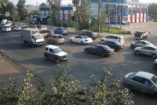 г.Иркутск, ул.Трактовая, остановка ДОК,  напротив СТО Фильтр