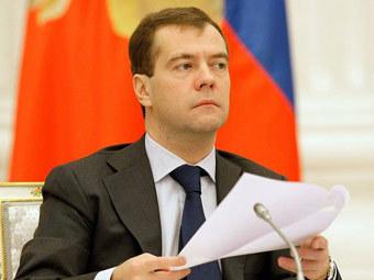 Медведев подписал закон о полиции