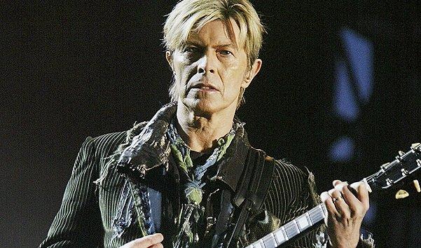 Умер легендарный британский рок-певец Дэвид Боуи