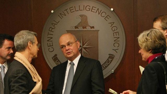 Экс-глава ЦРУ признался, что свернул бы горы ради доступа к почте Лаврова