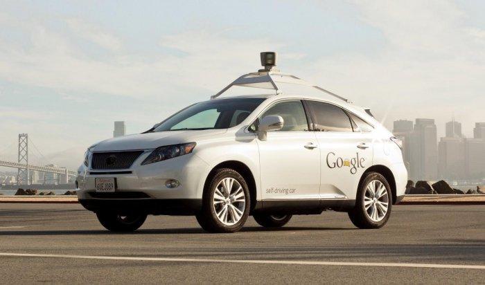 ВСША самоуправляемый автомобиль Google впервые попал вДТП