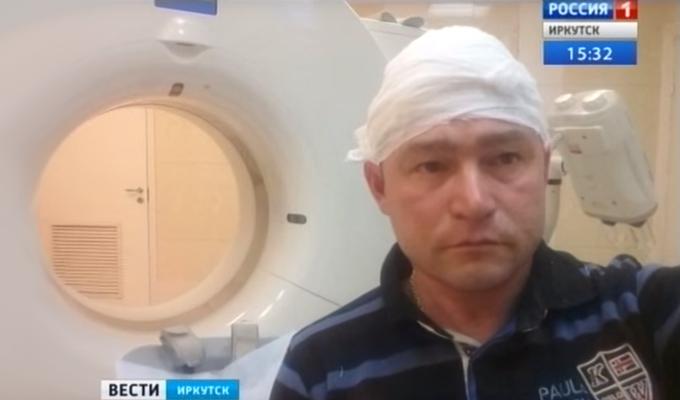 Лед с крыши здания в Иркутске травмировал жителей
