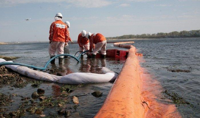 Насевере Сахалина разлилось 15тонн нефти