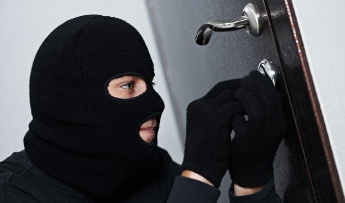 В Приангарье полицейские за сутки раскрыли три квартирные кражи