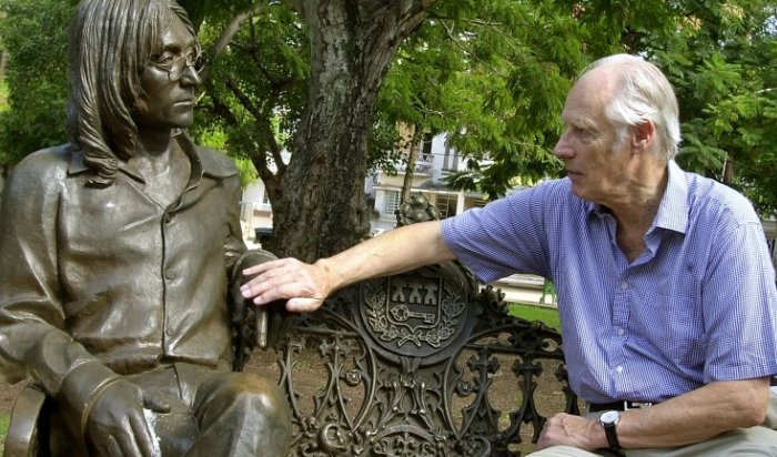 Скончался легендарный продюсер The Beatles Джордж Мартин