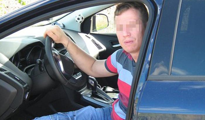 ВНижнем Новгороде мужчина умер вовремя эвакуации его машины