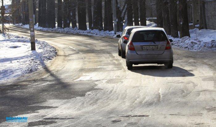 В середине апреля в Иркутске начнутся работы по ямочному ремонту дорог