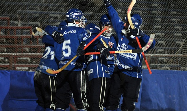 «Байкал-Энергия» вышла вфинал чемпионата России похоккею смячом