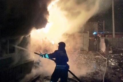 В Иркутске на пожаре в Ново-Ленино погиб 40-летний мужчина