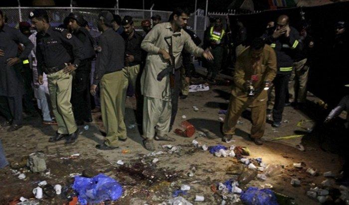 Террорист-смертник взорвал себя возле детского парка в Лахоре