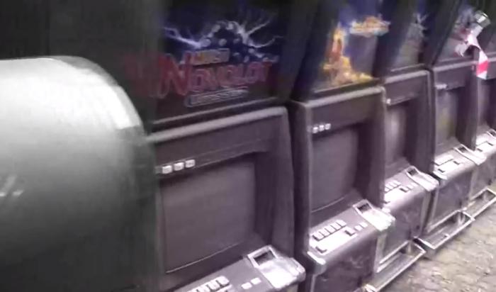 В Иркутске уничтожили 43 игровых автомата (Видео)