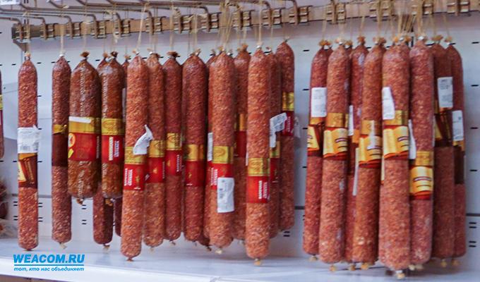 В Саянске возбуждено уголовное дело по факту продажи просроченных колбасных изделий