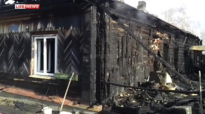 Восемь человек погибли при пожаре вчастном доме под Томском