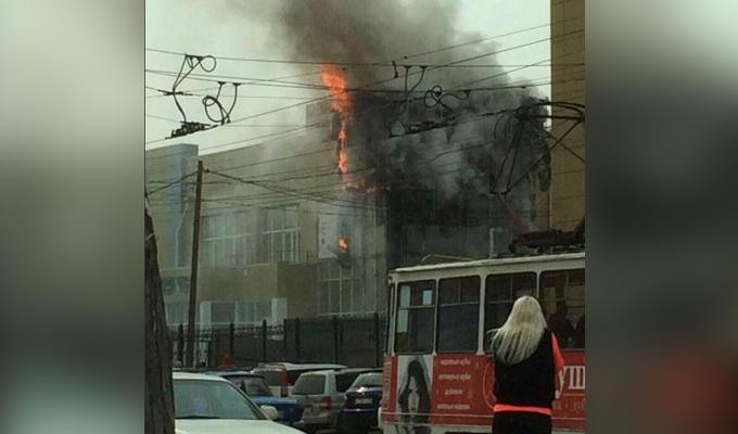 ВИркутске вздании ТЦ«Кедр» наВолжской произошел пожар