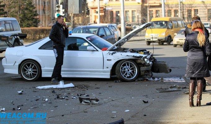 В Иркутске на сквере Кирова столкнулись три автомобиля