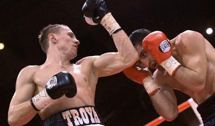 Эдуард Трояновский победил Сезара Куэнку изащитил титул чемпиона мира