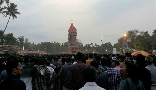 Более 80 человек погибли при пожаре в храме Индии