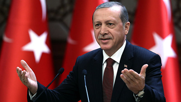 Эрдоган подал иск против немецкого телеведущего засатирические стихи