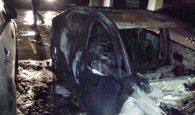 В Иркутске  на подземной парковке бизнес-центра сгорели три автомобиля