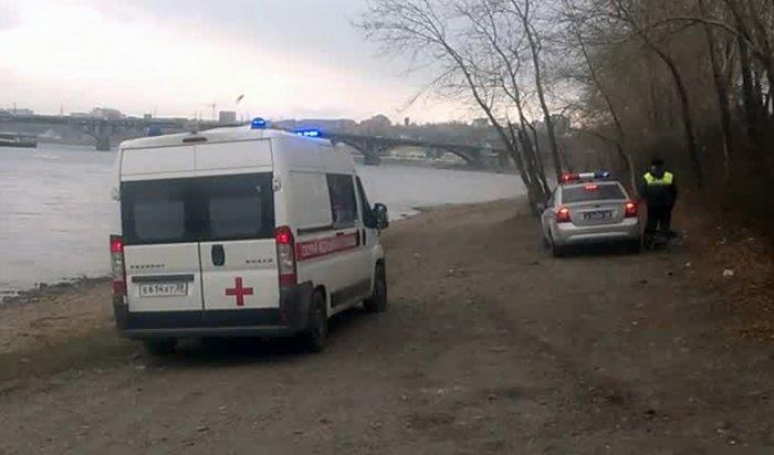 В Иркутске полицейские и рыбаки спасли мужчину, спрыгнувшего с моста