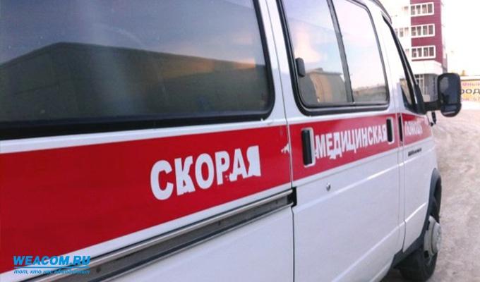В Иркутске сотрудники больницы оставили мужчину без сознания на улице в кресле-каталке