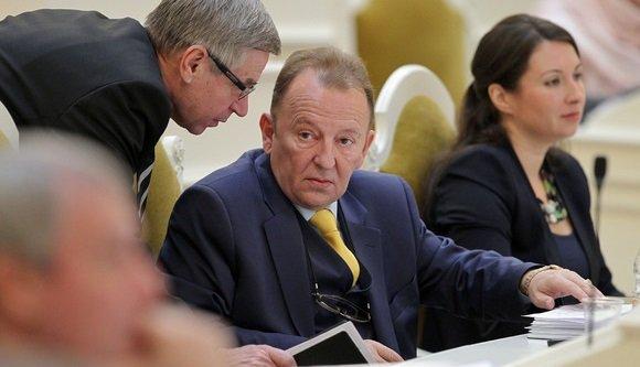 Депутата Заксобрания Петербурга задержали поподозрению вовзятке