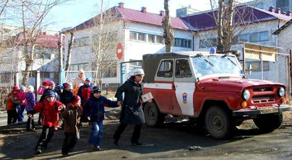 В Петрозаводске коллектор пригрозил взорвать детский сад
