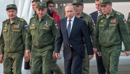 Путин присвоил двум заместителям Шойгу звания Героя России заоперации вСирии