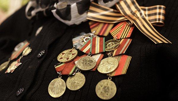 Волгоградским ветеранам выплатили по тысяче рублей в честь Дня Победы