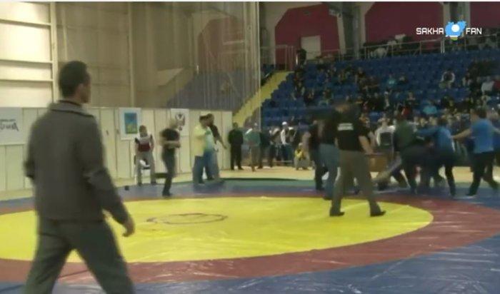 ВСтаром Осколе чемпионат России повольной борьбе закончился массовой дракой