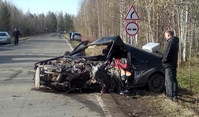 В Иркутской области в ДТП с участием двух тойот погибла 15-летняя девочка