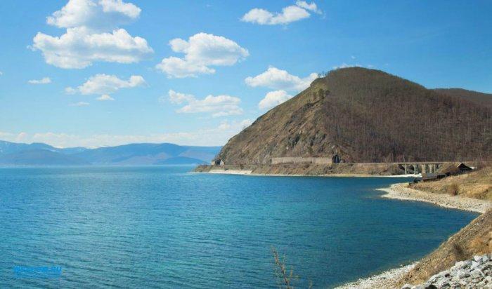 Байкал находится под угрозой экологической катастрофы из-за строительства трех ГЭС на реке Селенге