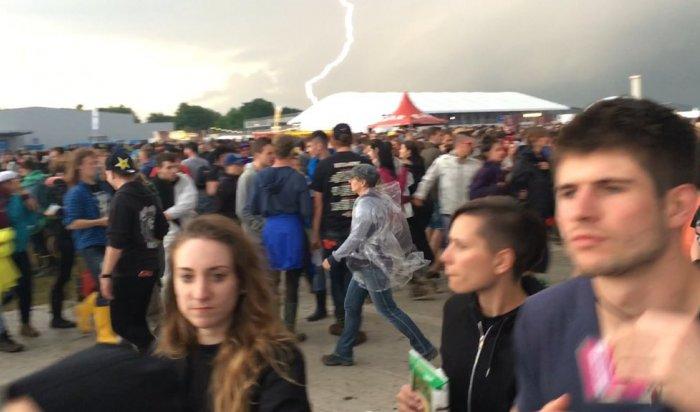 На рок-фестивале в Германии после удара молнии были госпитализированы 42 человека