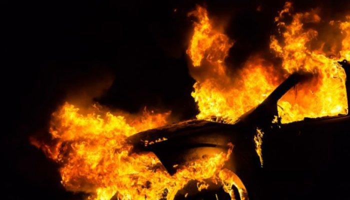 В Иркутском районе мужчина подозревается в поджоге автомобиля соседа