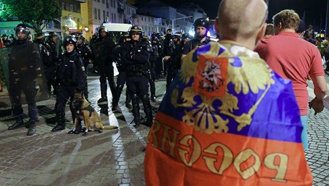 Власти Франции решили депортировать изстраны группу российских болельщиков
