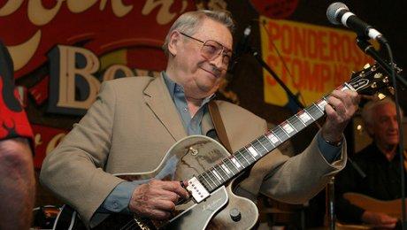 В США скончался гитарист Элвиса Пресли
