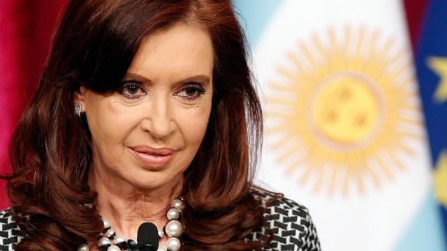 Уэкс-президента Аргентины Кристины Киршнер проходят обыски