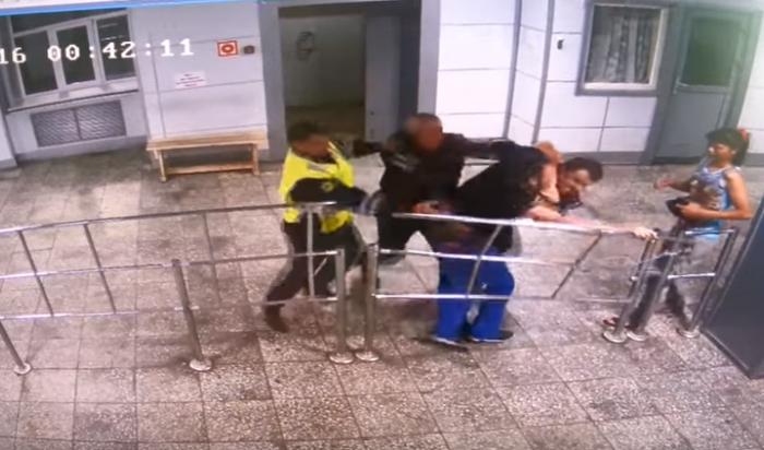 В Сети появилось видео скандального задержания молодой пары из Усть-Илимска, устроившей гонки с полицией