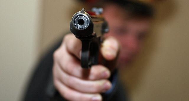 ВЭхирит-Булагатском районе полицейский случайно застрелил свою коллегу