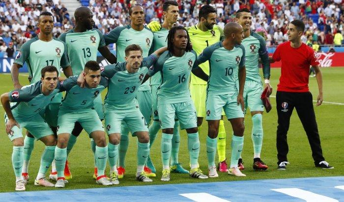 Португалия стала первым финалистом Евро-2016