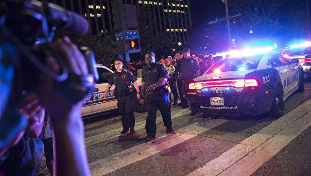 ВСША после убийства двух афроамериканцев застрелили четырех полицейских