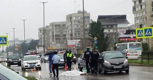 В Ангарске на пешеходном переходе насмерть сбили женщину