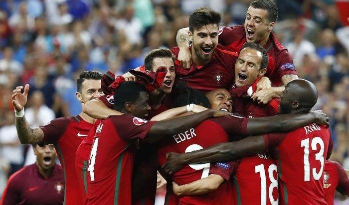Сборная Португалии впервые вистории стала чемпионом Европы пофутболу